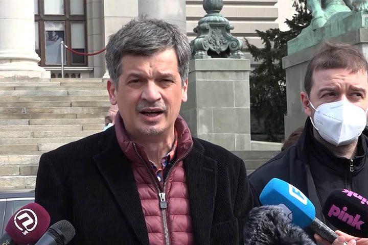 صربستان: روزنامه نگاران احساس امنیت نمی کنند / صربستان / مناطق / خانه
