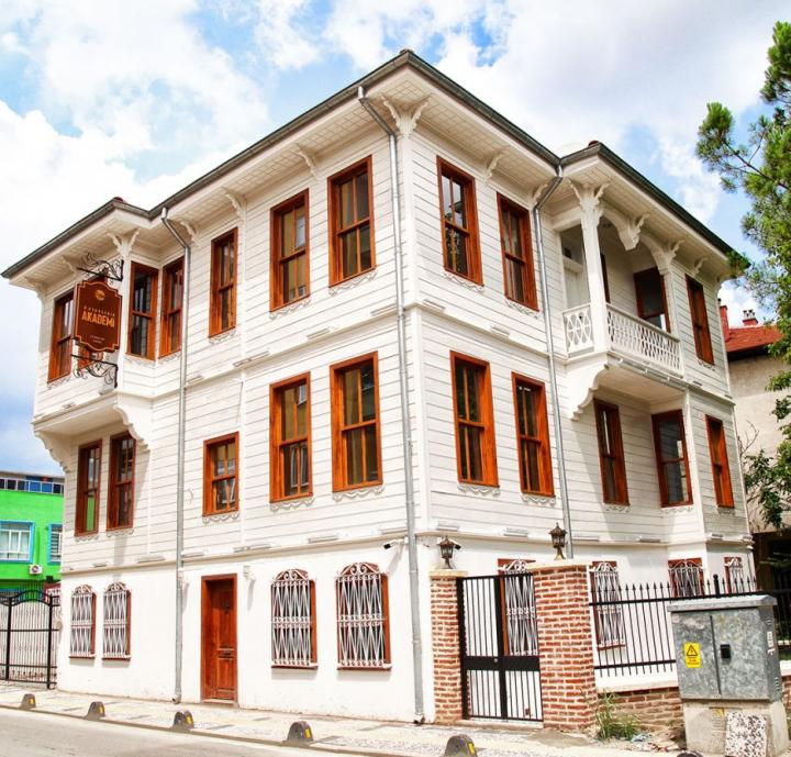 متروپولیتن در مورد عمارت تاریخی آلیکانار – مدیابار بیانیه ای ارائه داد